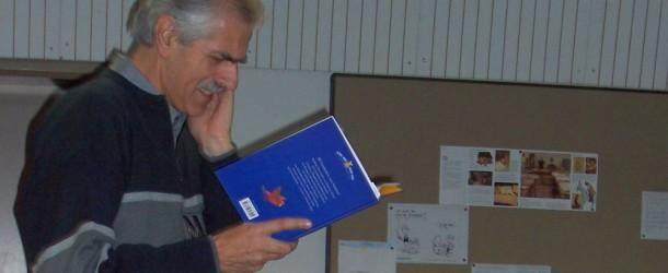 Manfred Mai liest an der Schillerschule