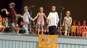 Schillernde Märchenwelt in der Schillerschule